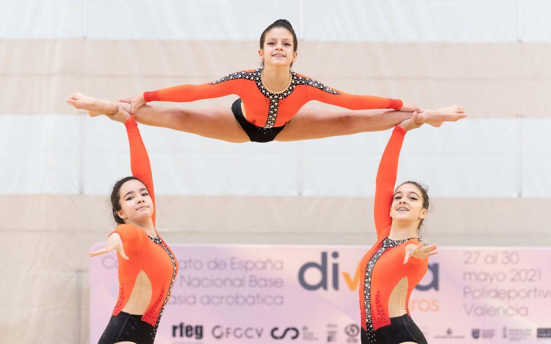 El Cabanyal disfruta de la fiesta nacional de la acrobática